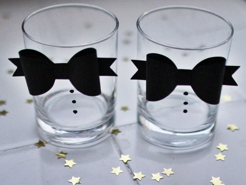 PHOTO: The Mariahland blog created a tuxedo glassware D-I-Y, pictured here.