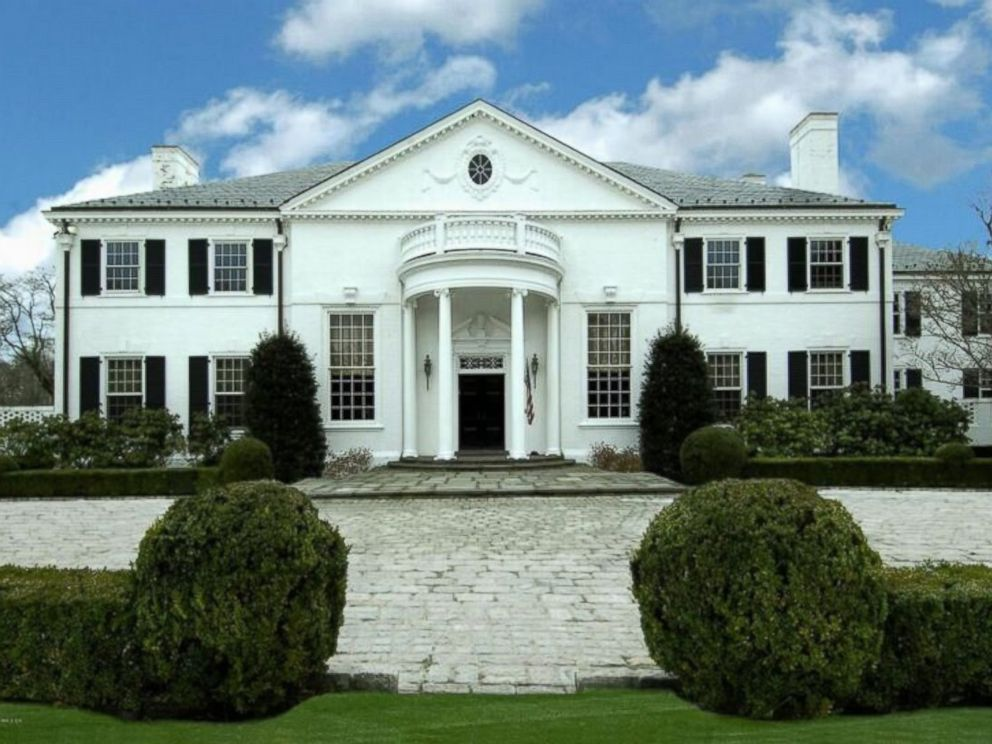 PHOTO: A Georgian Colonial, Donald Trumps former Connecticut mansion, was built in 1939.