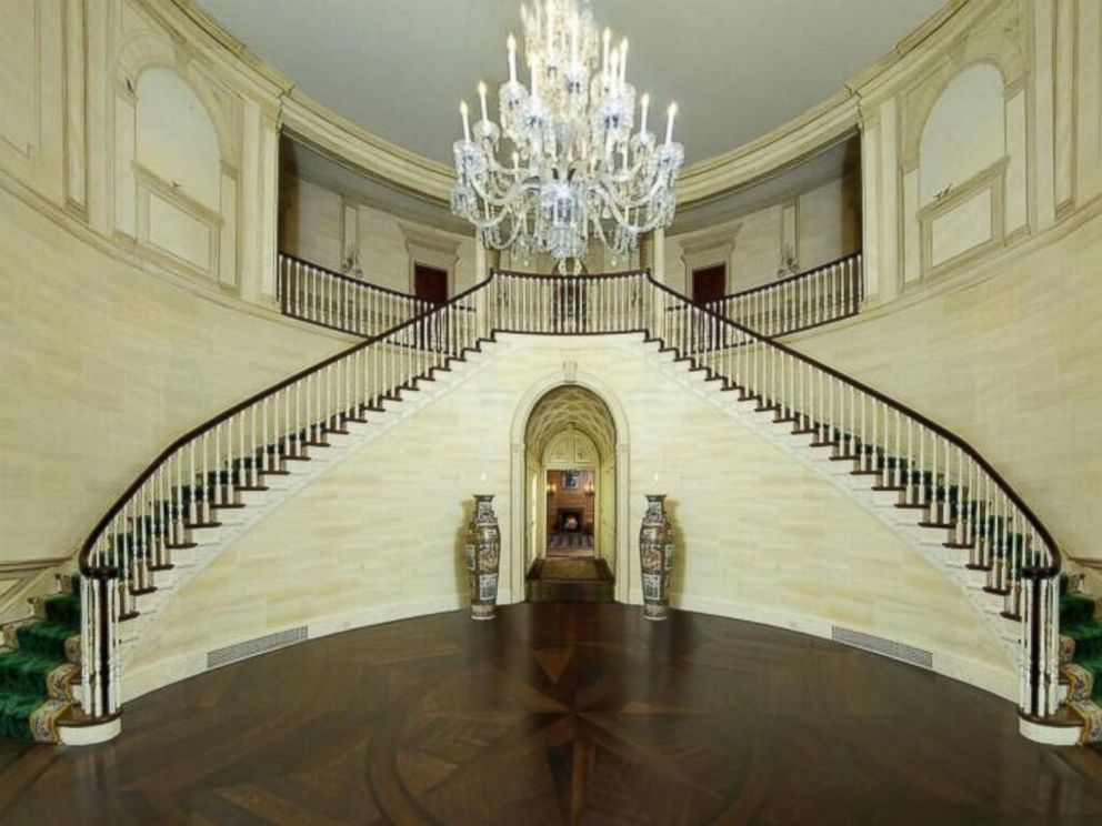 PHOTO: Donald Trumps former Connecticut mansion, features a glorious three-story rotunda foyer with a double grand staircase.
