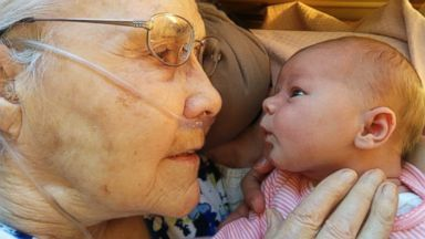 PHOTO: Scott and Jennifer Martin captured the first meeting between their 2-day-old daughter, Penelope, and Scotts 92-year-old grandmother, Millie Martin, and posted it on Reddit.