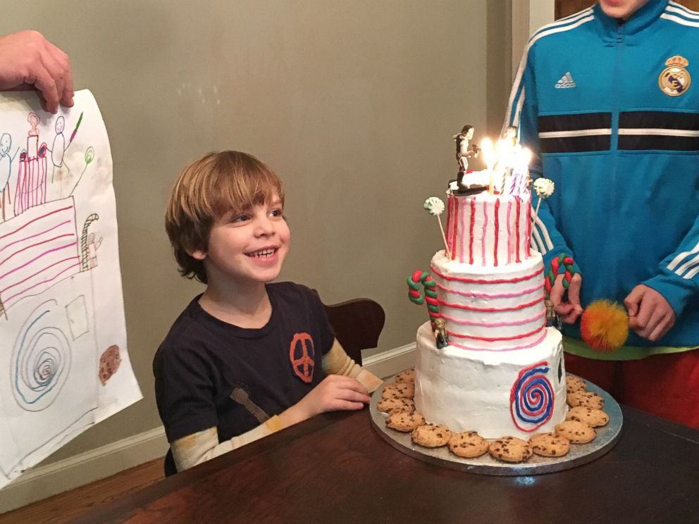 PHOTO: Baker Makes Birthday Cake Exactly How 7-Year-Old Boy Imagined