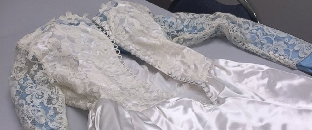 PHOTO: Police Search for Owner of a Wedding Dress Blown by Torrnadoes