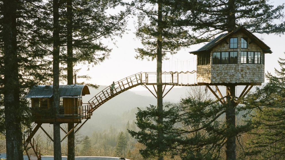Washington man builds incredible treehouse with its own for Build your own home washington state