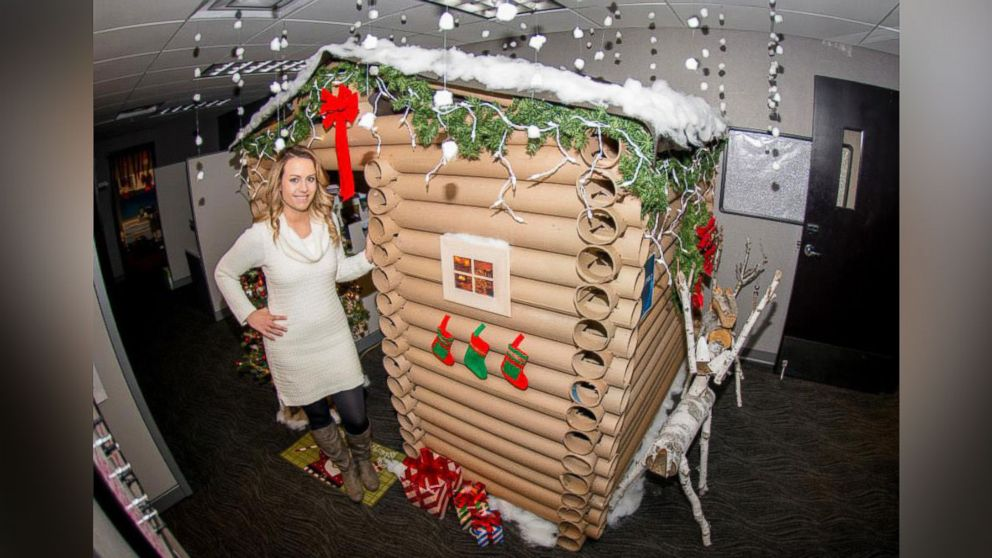 The most creative ways to decorate your office cubicle for for Cubicle decoration xmas