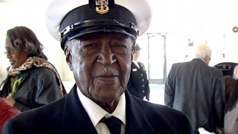 abc carl clark tk 120117 wblog Black WWII Vet Gets Medal From Navy 66 Years Later
