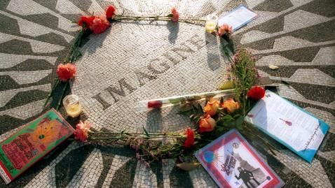 gty imagine dm 111208 wblog Dec. 8: John Lennon Shot, Killed 1980