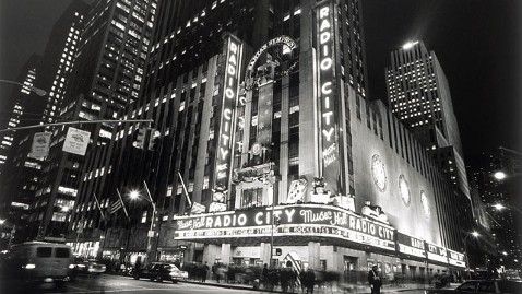 gty radio city tk 111227 wblog Dec. 27: Radio City Music Hall Opened 1932