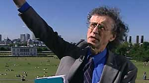 Photo: Will It Rain on Your Wedding Next Year? Piers Corbyn Reads Mother Natures Future Using Secretive, Solar-Based Technique