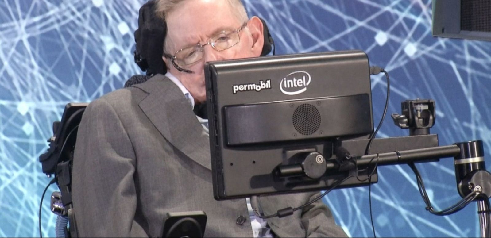 VIDEO: World-renowned British physicist Stephen Hawking may understand the many mysteries of the universe, but even he's having a hard time grasping Donald Trump's meteoric rise in popularity.