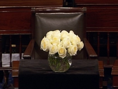 Video: Senators pay tribute to Byrd.