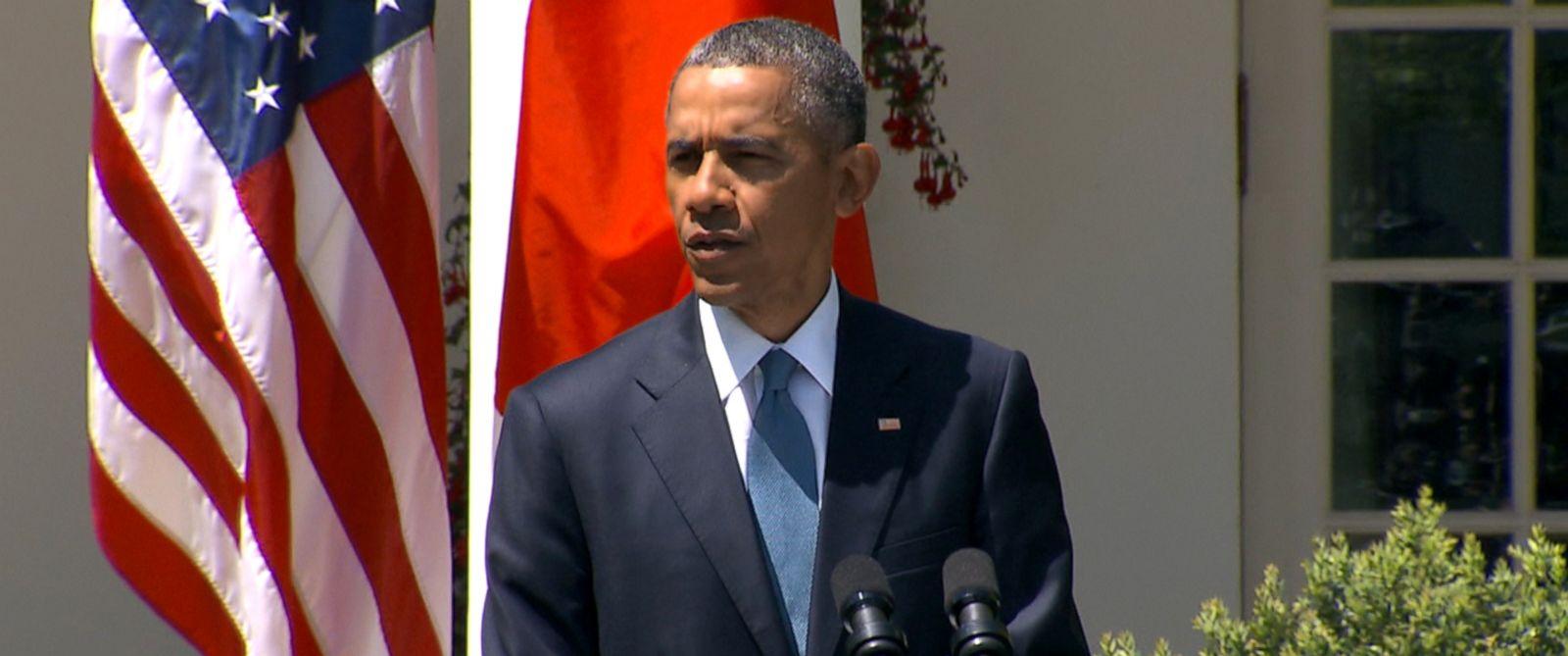 PHOTO: President Barack Obama speaks in the Rose Garden at the White House in Washington, April 28, 2015.