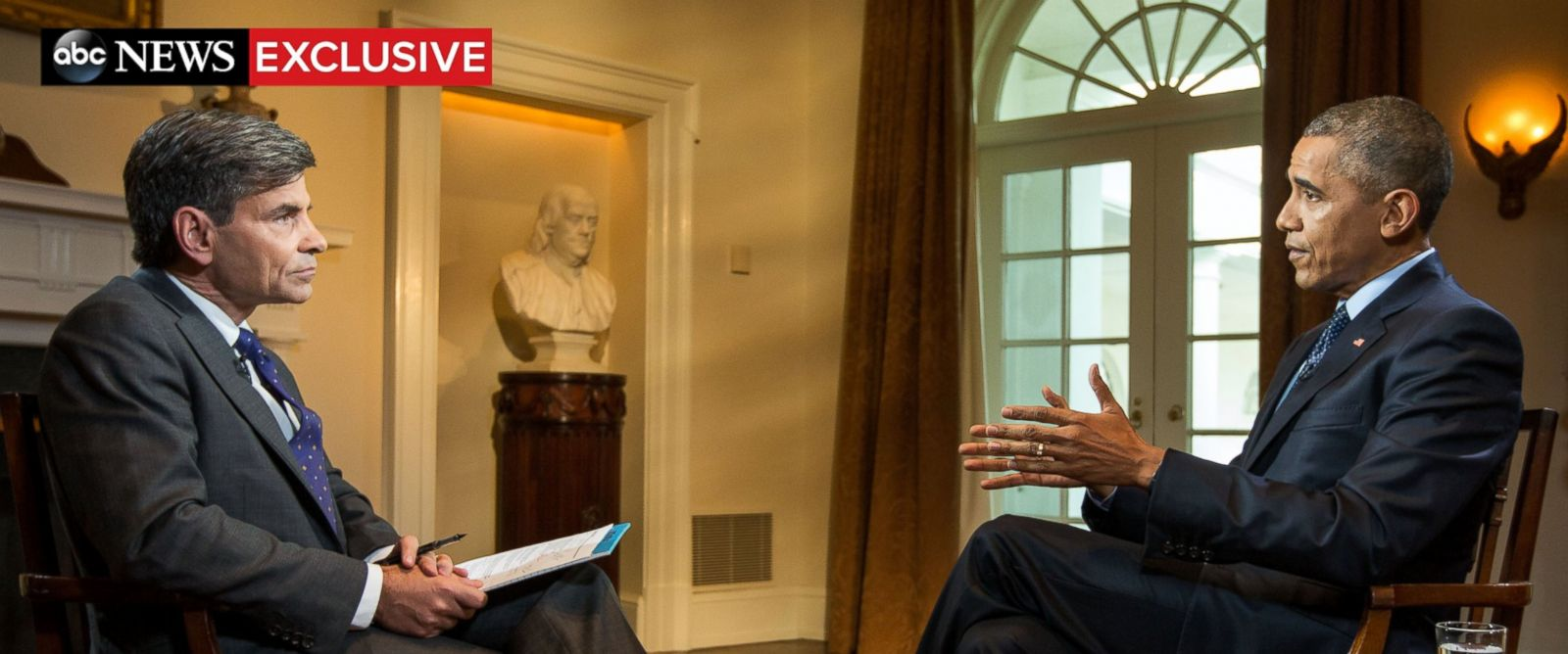 PHOTO: ABC News chief anchor George Stephanopoulos interviews President Barack Obama at the White House on November 12, 2015.
