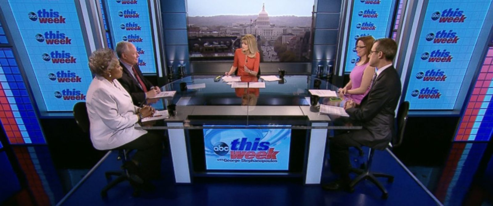 "PHOTO: Democratic Strategist and ABC News Contributor Donna Brazile, CNNs ""Crossfire"" Co-Host S.E. Cupp, The Weekly Standard Editor Bill Kristol and ABC News Senior Washington Correspondent Jeff Zeleny on This Week"
