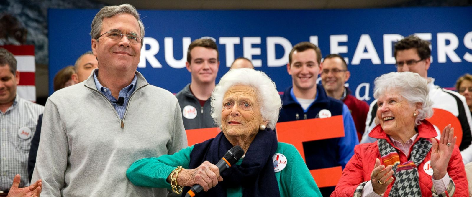 PHOTO: Barbara Bush, center, jokes with her son, Republican presidential candidate, former Florida Gov. Jeb Bush, while introducing him at a town hall meeting at West Running Brook Middle School in Derry, N.H., Feb. 4, 2016.