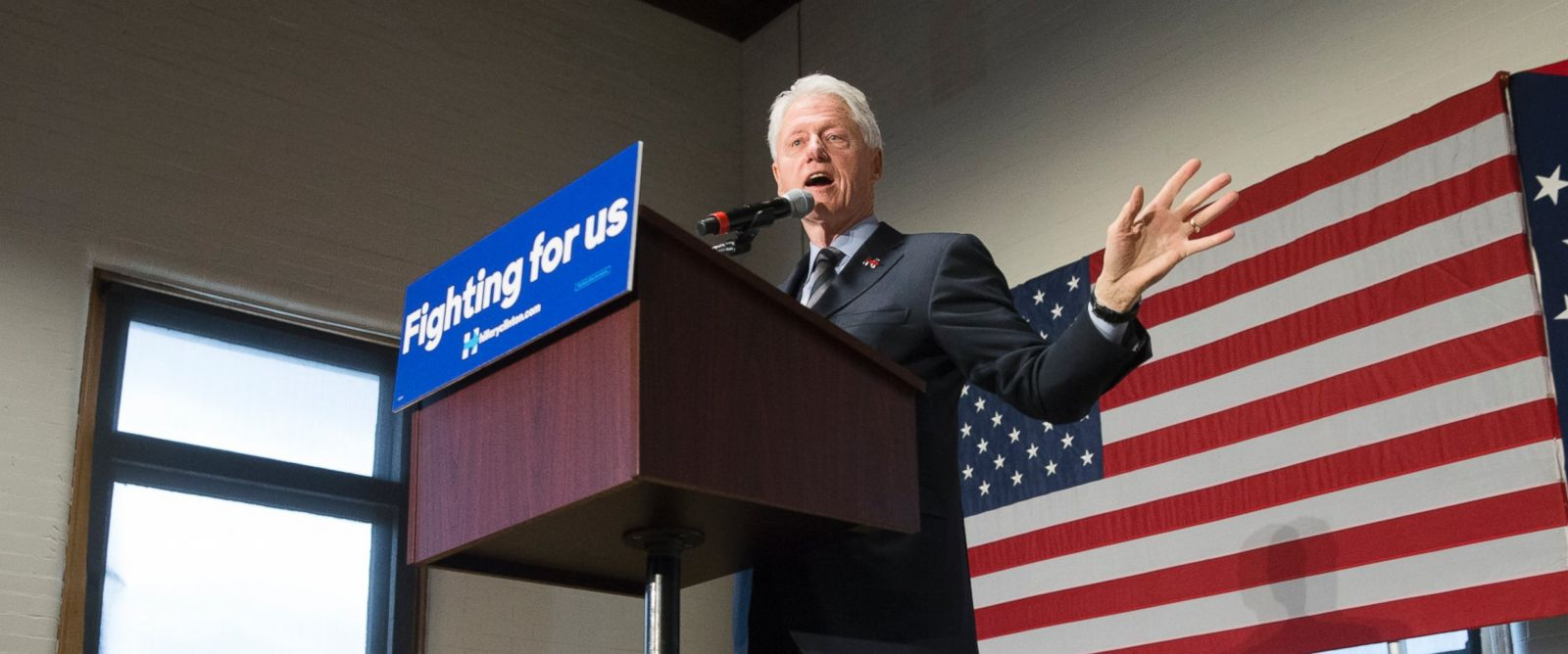 PHOTO: Former President Bill Clinton campaigns for his wife, Democratic presidential candidate Hillary Clinton, at the Clifton Cultural Arts Center, Feb. 12, 2016, in Cincinnati.