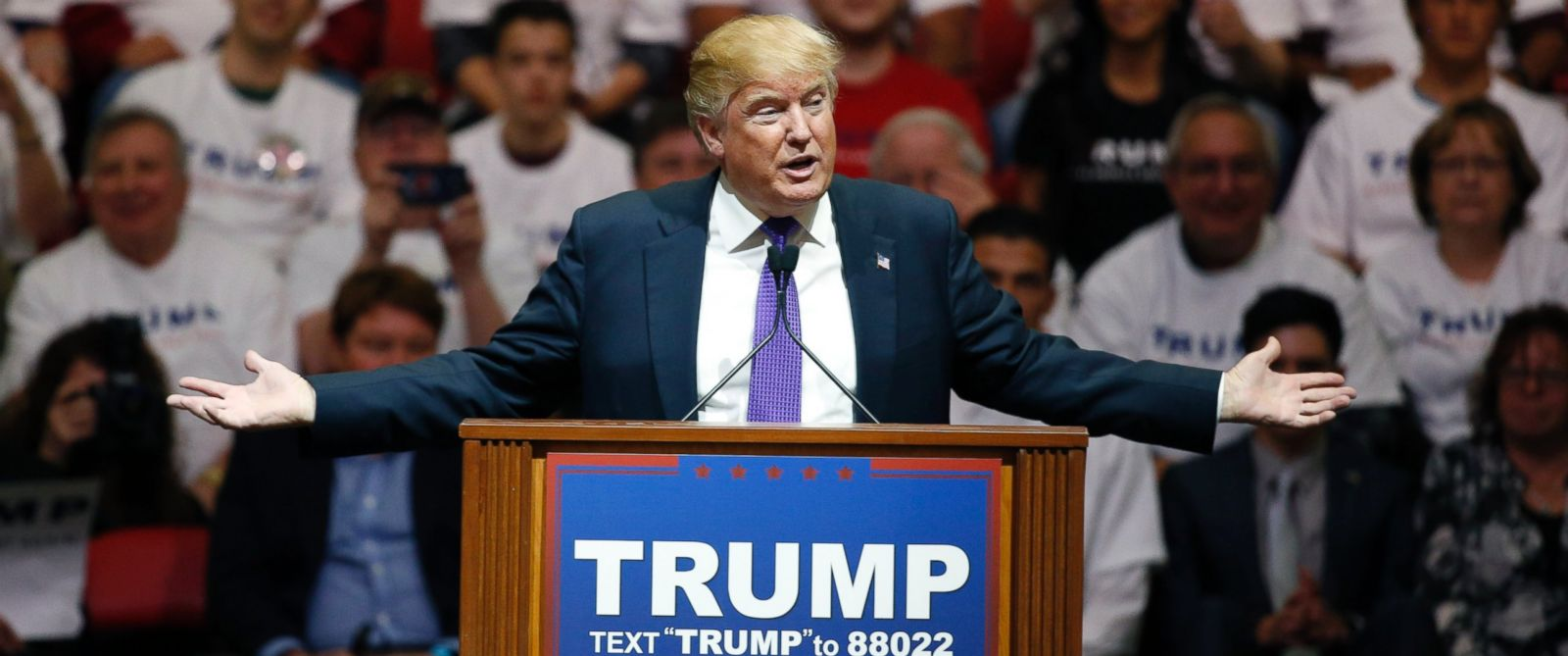 PHOTO:Republican presidential candidate Donald Trump speaks at a campaign rally, Feb. 22, 2016, in Las Vegas.