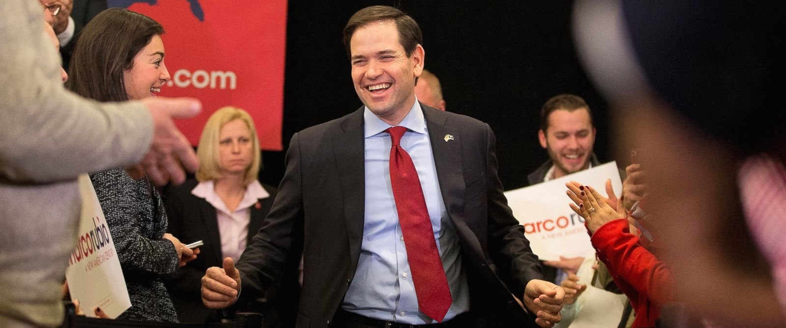 PHOTO: Republican presidential candidate, Sen. Marco Rubio, takes the stage for a rally, Feb. 19, 2016, in Columbia, S.C.
