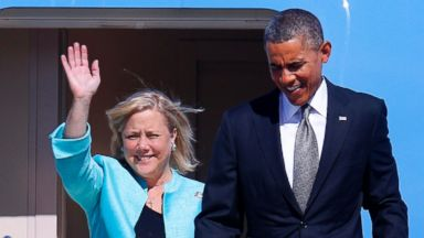 PHOTO: Sen. Mary Landrieu, D-La., waves as she arrives with President Barack Obama aboard Air Force One at Louis Armstrong New Orleans International Airport, Nov. 8, 2013.
