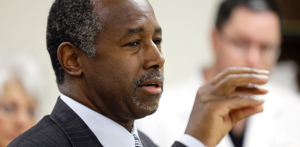 PHOTO: Republican presidential candidate Dr. Ben Carson speaks in Ankeny, Iowa, Oct. 2, 2015.