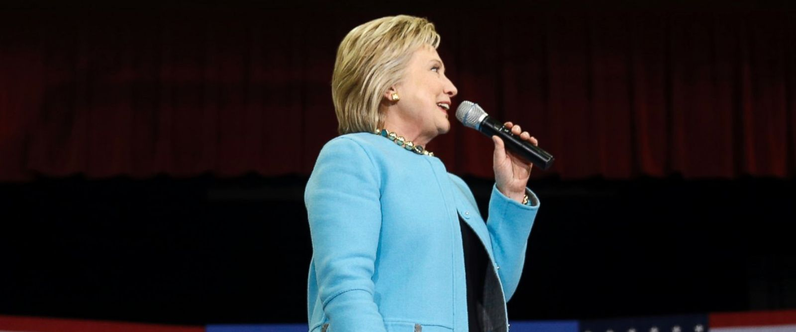 PHOTO: Democratic presidential candidate Hillary Clinton speaks during a campaign stop, Feb. 8, 2016, in Hudson, N.H.