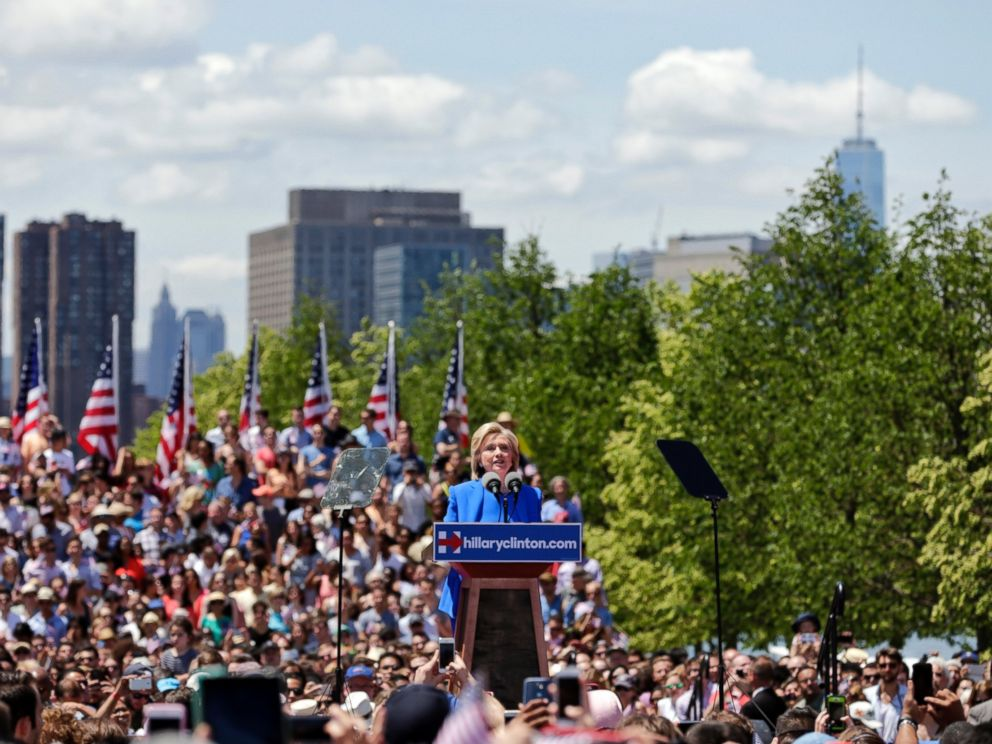 PHOTO: Democratic presidential candidate, former Secretary of State Hillary Rodham Clinton speaks to supporters Saturday, June 13, 2015, on Roosevelt Island in New York.