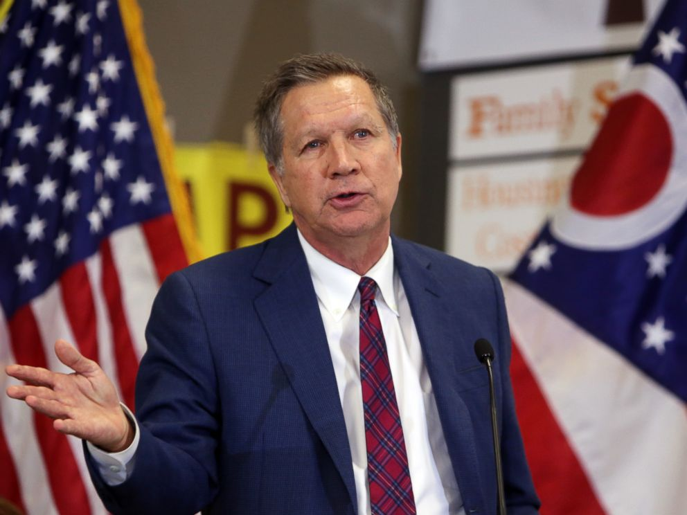 PHOTO: Ohio Gov. John Kasich gives his end of the year speech at Westerville Area Resource Ministry (WARM) in Westerville, Ohio, Dec. 22, 2015.