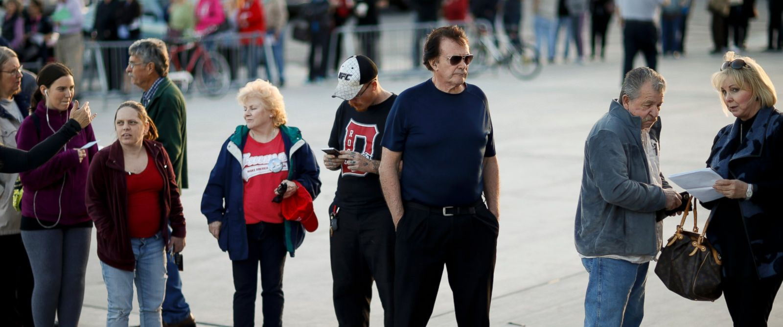 PHOTO: Voters line up outside a Republican caucus site, Feb. 23, 2016, in Las Vegas.