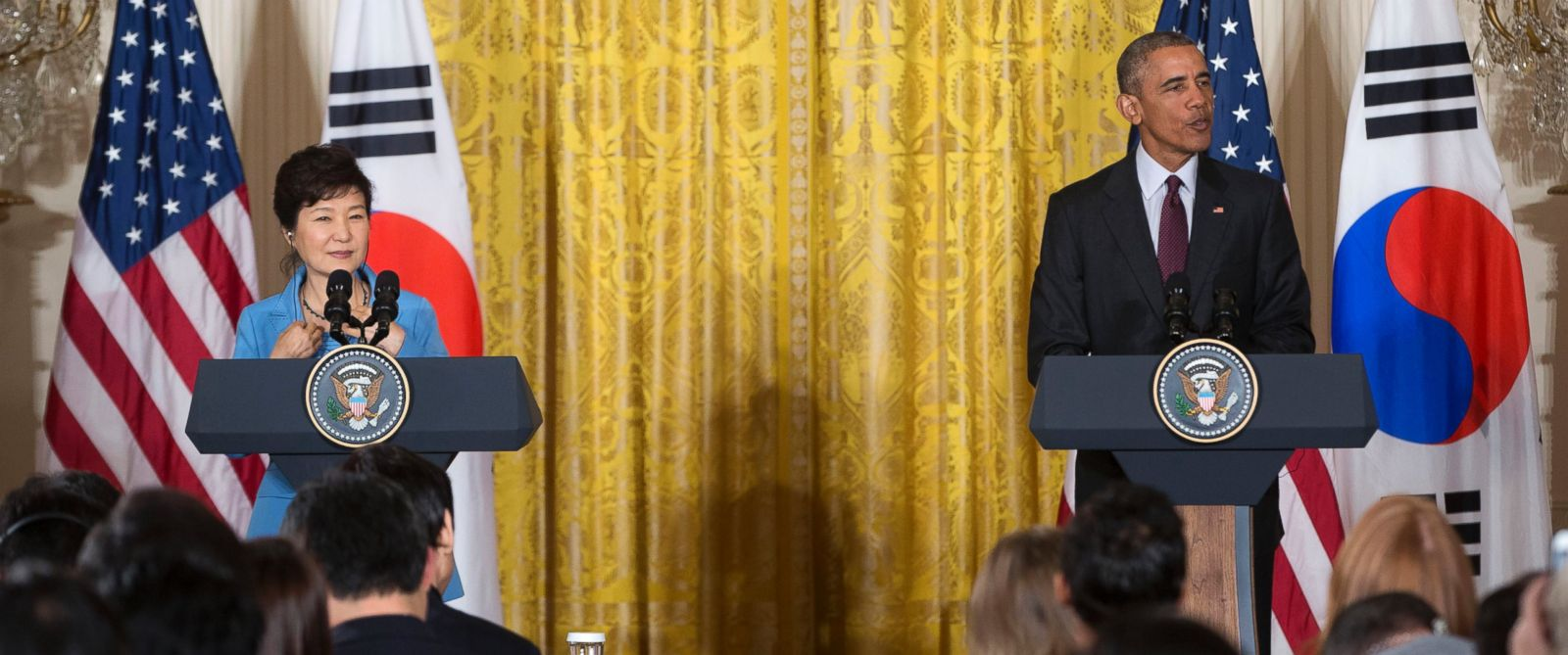 PHOTO: President Barack Obama and South Korean President Park Geun-hye take part in a joint news conference in the East Room of the White House in Washington, Oct. 16, 2015.