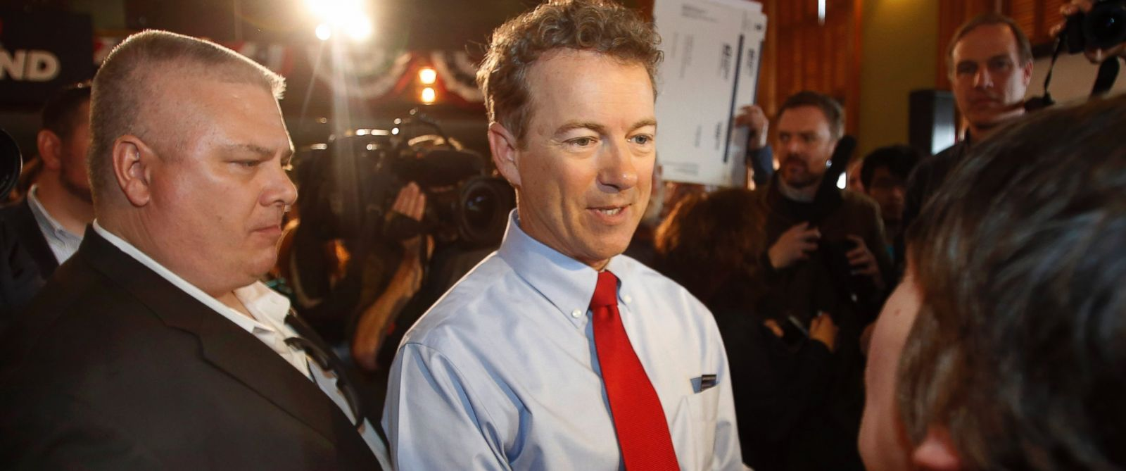 PHOTO: Republican Presidential candidate, Sen. Rand Paul, R-Ky., greets supporters, April 8, 2015, in Milford, N.H.