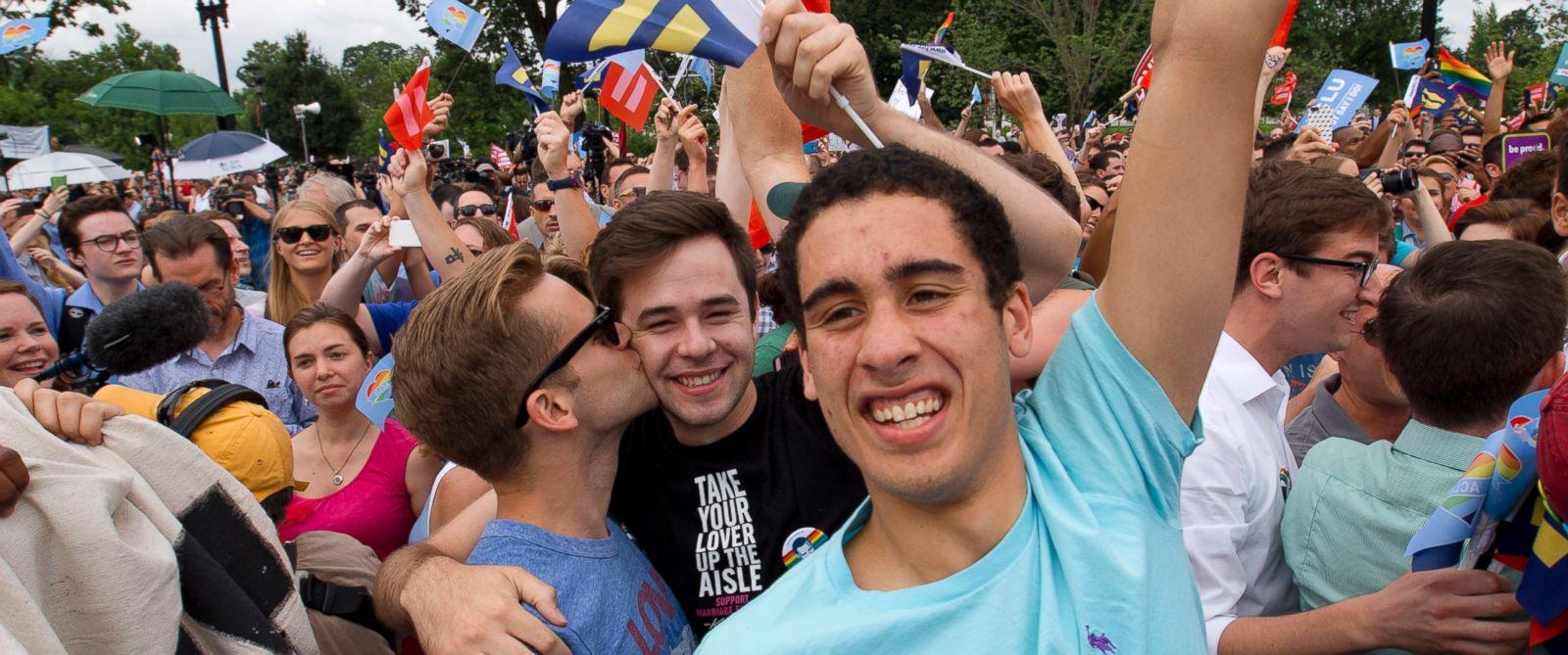 Американские геи теперь могут вступить в брак в любом штате США.