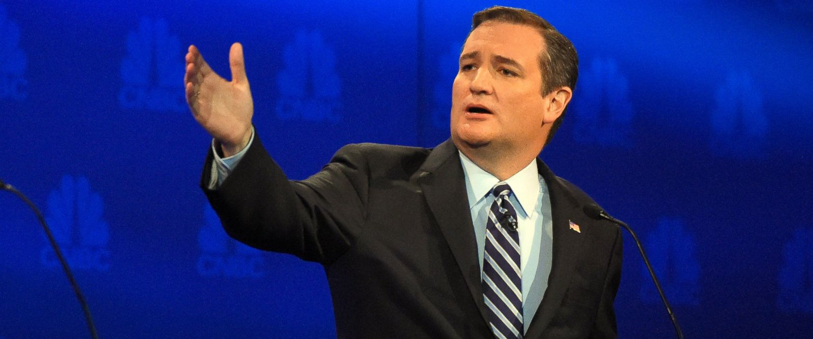 PHOTO: Ted Cruz talks about the mainstream media during the CNBC Republican presidential debate at the University of Colorado, Oct. 28, 2015, in Boulder, Colo.