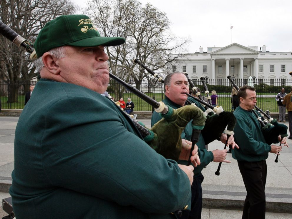 PHOTO: Bill McTighe of Chicago, plays the bagpipes with the Shannon Rovers in front of The White House in Washington, March 17, 2009.