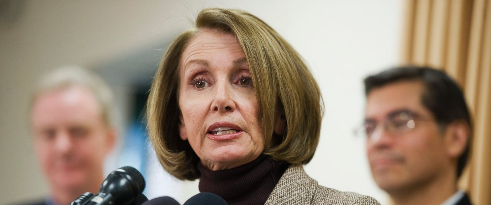 PHOTO: House Minority Leader Nancy Pelosi, D-Calif., speaks at a news conference on the second day of the House Democratic Caucus Issues Conference on Jan. 21, 2016 in Cambridge, Md.