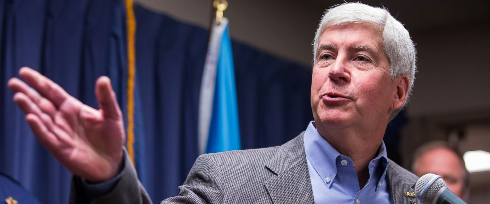PHOTO: Michigan Gov. Rick Snyder speaks to the media regarding the status of the Flint water crisis, Jan. 27, 2016, at Flint City Hall in Flint, Michigan.