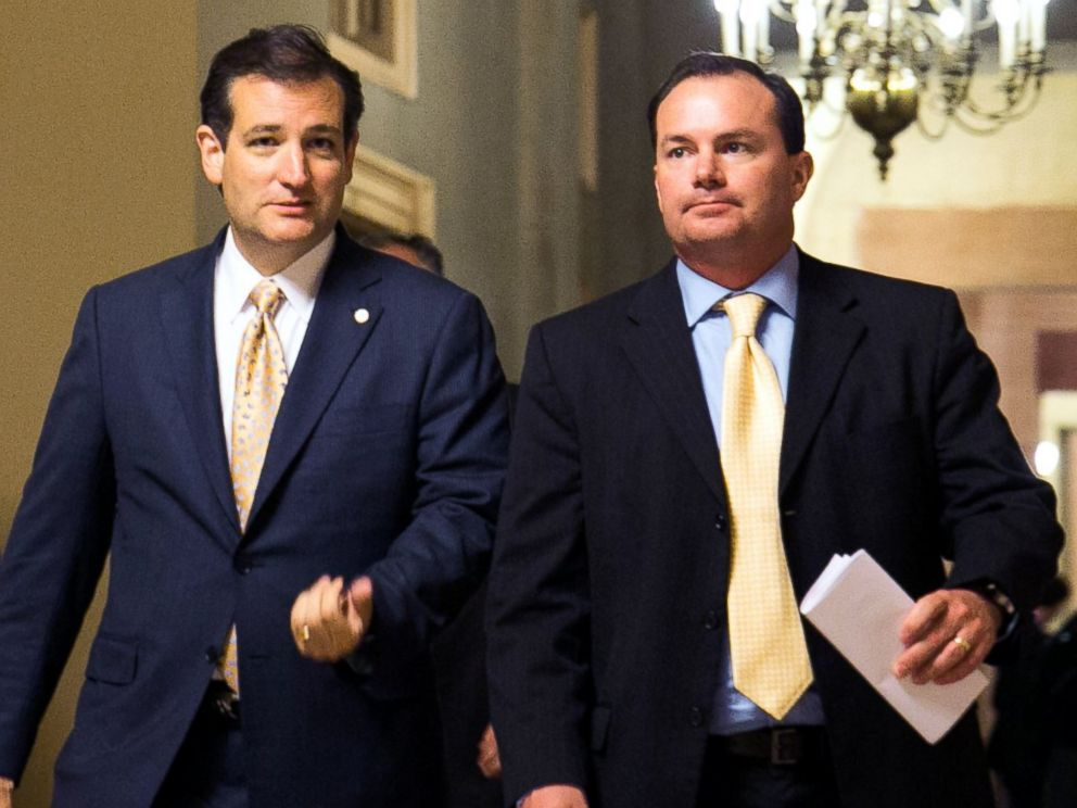PHOTO: Sen. Ted Cruz, left, and Sen. Mike Lee walk together