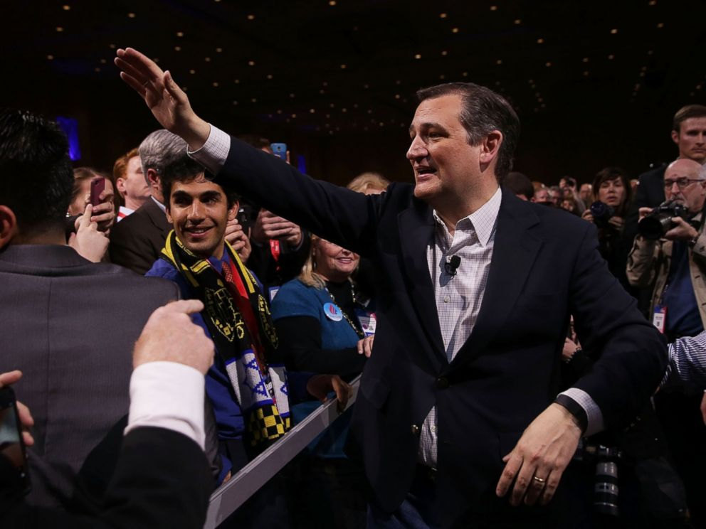 PHOTO:Ted Cruz greets supporters during the Conservative Political Action Conference, March 4, 2016, in National Harbor, Md.