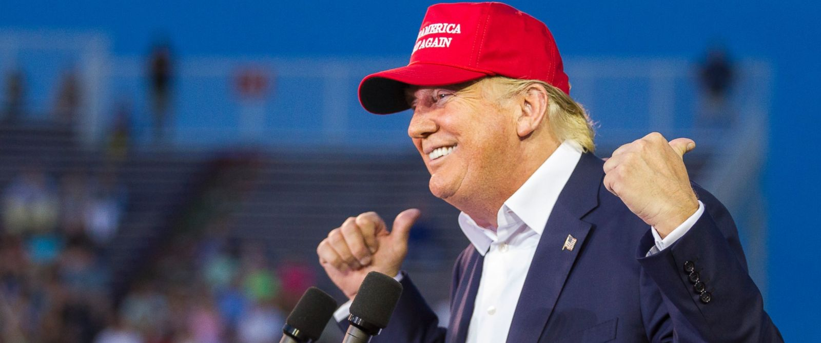PHOTO: U.S. Republican presidential candidate Donald Trump speaks at Ladd-Peebles Stadium on Aug. 21, 2015 in Mobile, Alabama.