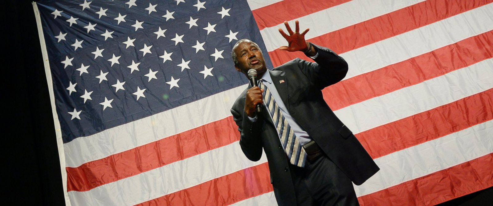 PHOTO: Republican presidential candidate Ben Carson speaks during a campaign rally at the Anaheim Convention Center, Sept. 9, 2015 in Anaheim, Calif.