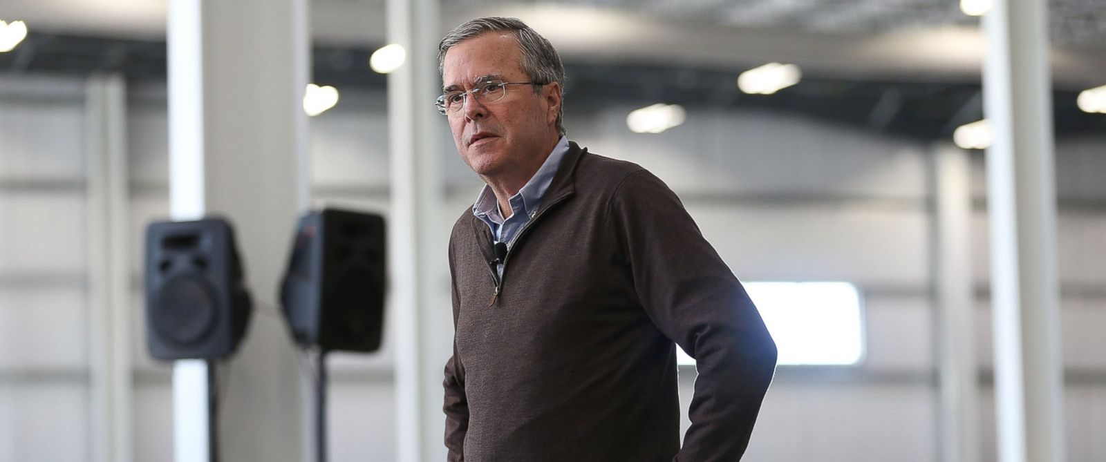 PHOTO: Republican presidential candidate Jeb Bush speaks during a town hall at the Brownells Firearms Manufacturing company on Jan. 12, 2016 in Grinnell, Iowa.