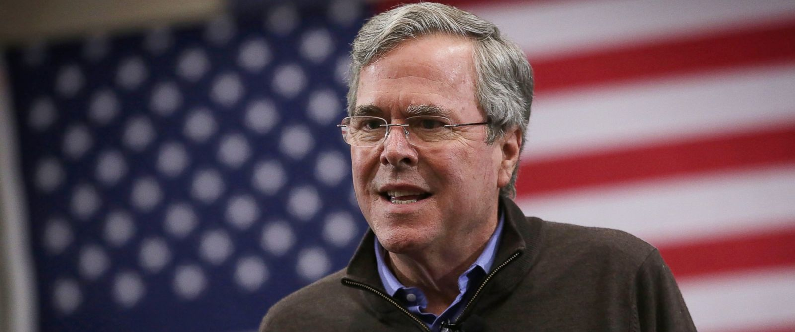 PHOTO: Republican presidential candidate Jeb Bush speaks during a campaign event, Feb. 11, 2016, in Sumter, S.C.