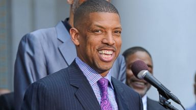 PHOTO: Sacramento Mayor Kevin Johnson addresses the media during the press conference in response to the NBA decision on Donald Sterling ownership at Los Angeles City Hall, April 29, 2014 in Los Angeles.