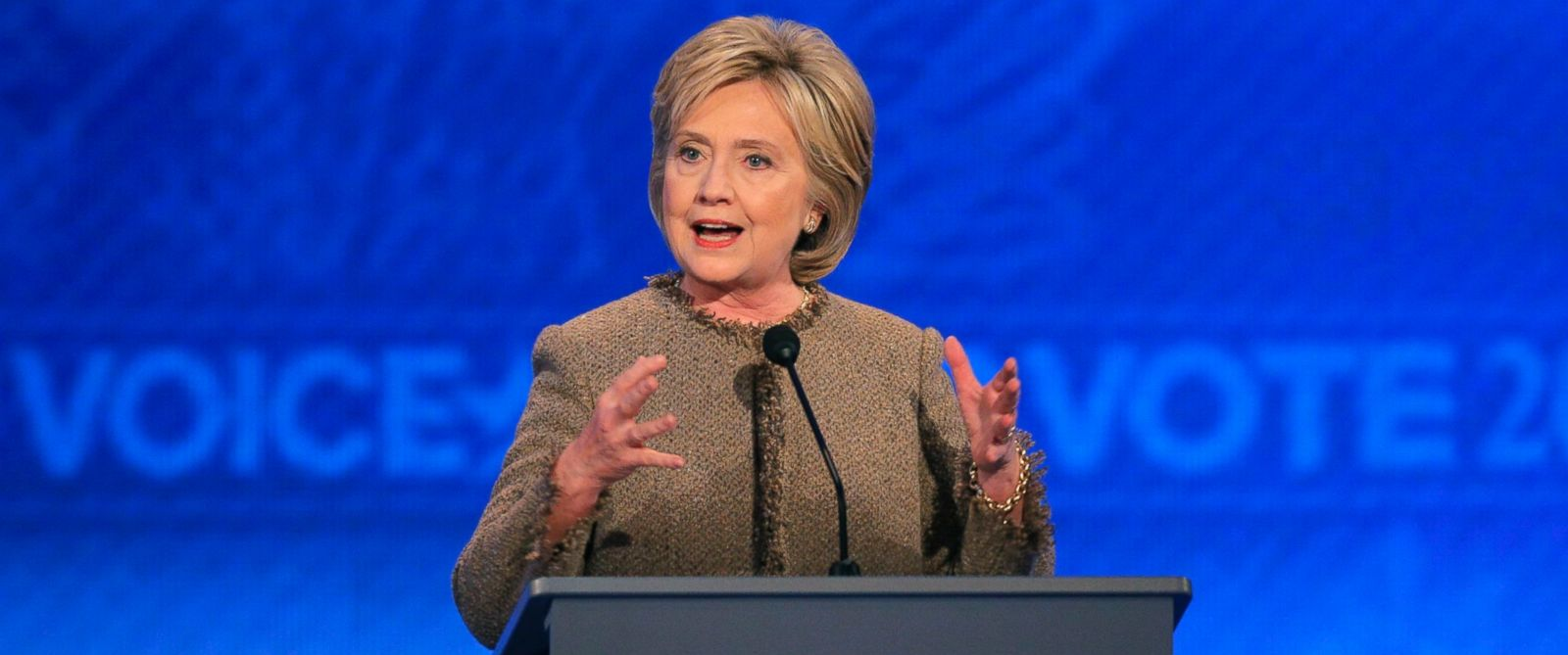 PHOTO: Hillary Clinton answers a question at the Democratic presidential candidates debate at St. Anselm College in Manchester, N.H., Dec. 19, 2015.
