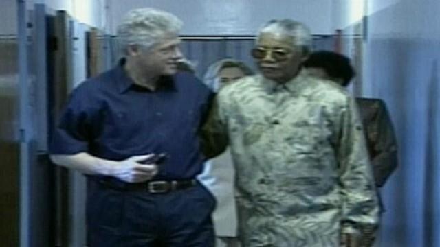 VIDEO: Bill Clinton praises Nelson Mandela for defending him during sex scandal.