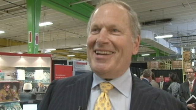 VIDEO: CEO David Cote talks to ABC News about President Obama, jobs and global debt.