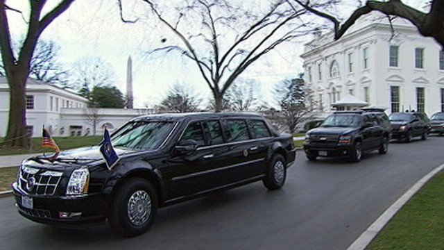 VIDEO: The president rides in a limousine with Sen. Charles Schumer to the Capitol building.