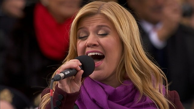 VIDEO: Kelly Clarkson Performs at Inauguration 2013