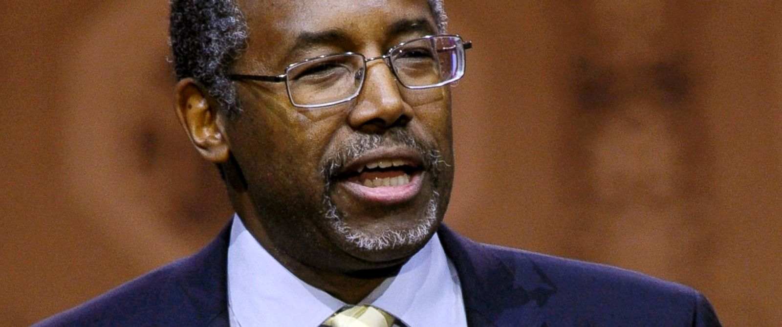 PHOTO: In this March 8 2014 file photo, Dr. Ben Carson, professor emeritus at Johns Hopkins School of Medicine, speaks in National Harbor, Md.