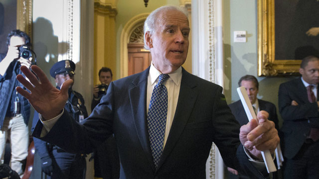 PHOTO: Vice President Joe Biden speaks to reporters after a Senate Democratic caucus meeting about the fiscal cliff, on Capitol Hill on Monday, Dec. 31, 2012 in Washington.