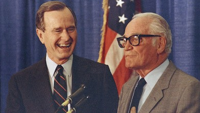 PHOTO: Former Senator Barry Goldwater flew from Arizona to endorse Vice President George Bush in the New Hampshire primary, Nashua, New Hampshire, Feb. 15, 1988.