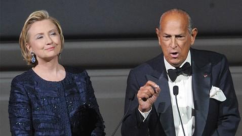 ap hillary clinton oscar de la renta ll 130604 wblog Hillary Clinton Celebrates With De la Renta, Kissinger